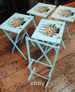 Mint Set of 4 Mid Century LaVada FOLDING Wood TV TRAY TABLE SET with Holder Floral