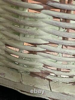 Vintage Rattan Nantucket Wicker Woven Round Floral Wooden Bar/Tea Serving Tray
